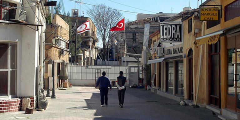 Премьер-министр призывает к двум отдельным государствам на Кипре