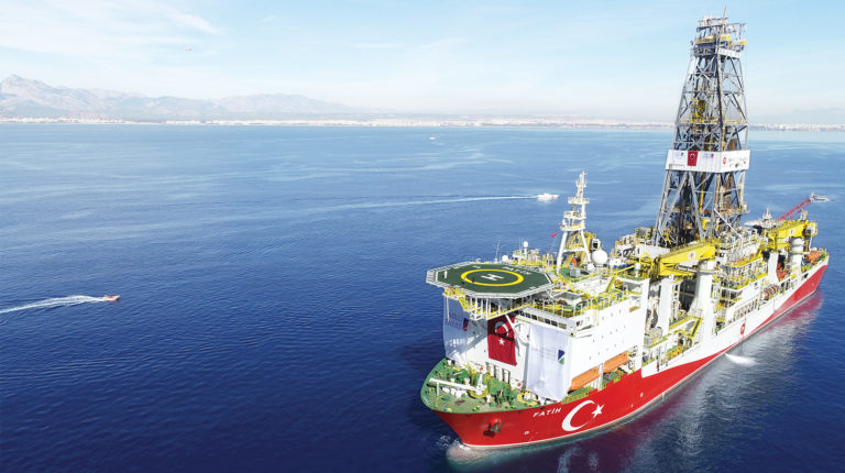 Буровой корабль Фатих начал деятельность на Карпазе, несмотря на санкции ЕС