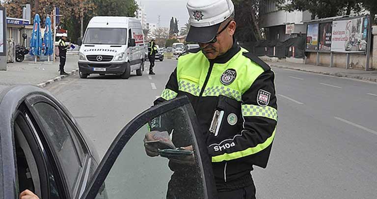Полиция осуществляет проверки в казино и на дорогах: результаты