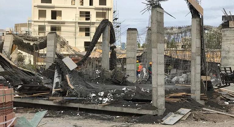 Правительство начинает расследование обрушения школьного здания