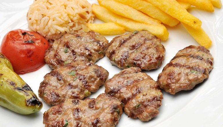 Köfte (турецкие мясные котлетки)