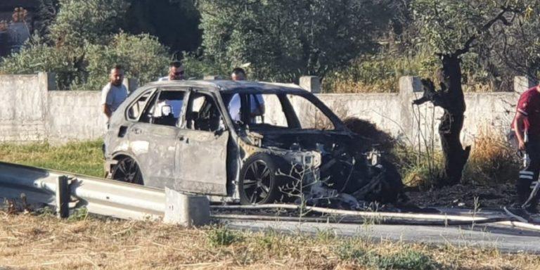 Автомобиль класса люкс загорелся и превратился в пепел