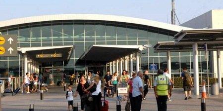 Южный Кипр возместит стоимость отпуска туристам, которые заразились коронавирусом