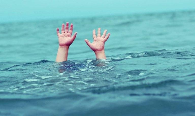 Малыш в отделении интенсивной терапии после падения в бассейн