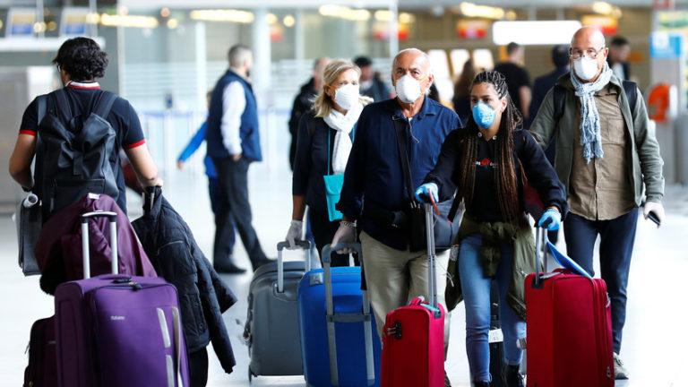 Два пассажира из Турции нарушили правила карантина