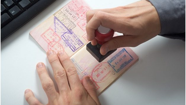 Возобновляется процесс оформления рабочих виз без штрафов и выезда за границу