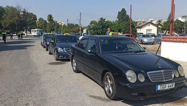 Таксисты Северного Кипра проводят демонстрацию