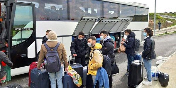 Карантинные отели заполнены — пассажиры ждут в порту