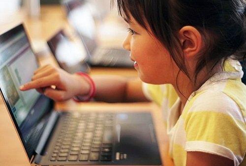 Родители обеспокоены онлайн обучением на Северном Кипре