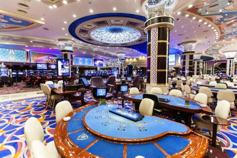 На Северном Кипре закрыты 67 отелей и 10 казино