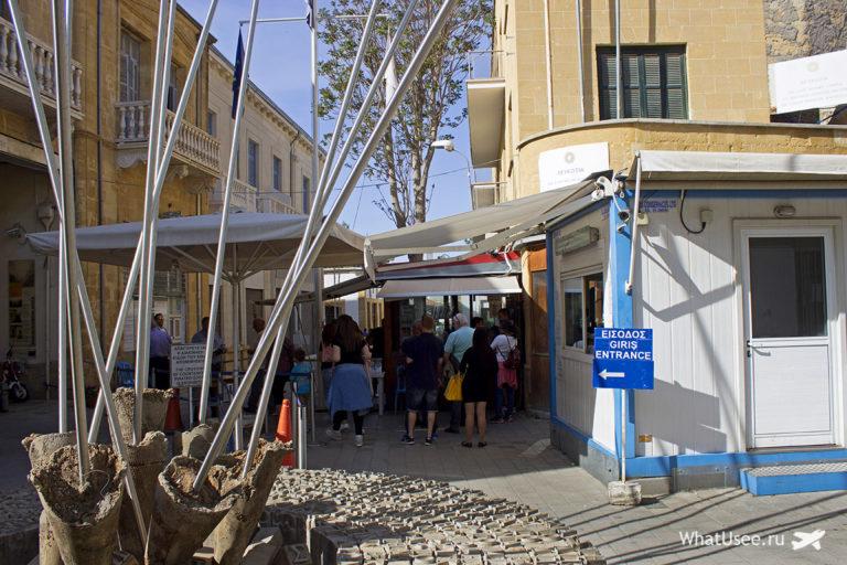 Запрет перехода с Южного Кипра в ТРСК для туристов