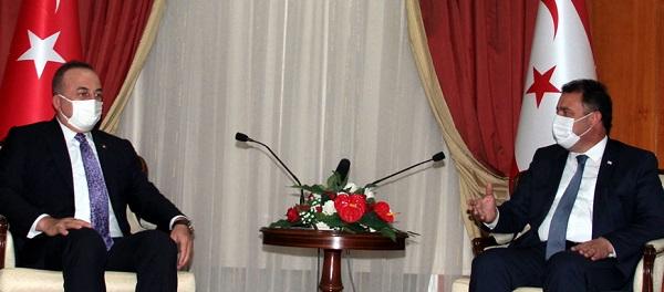 Глава МИД Чавушоглу встретился с премьер-министром Эрсаном Санером