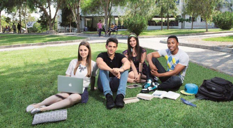 Более 12 тысяч студентов приехали в ТРСК